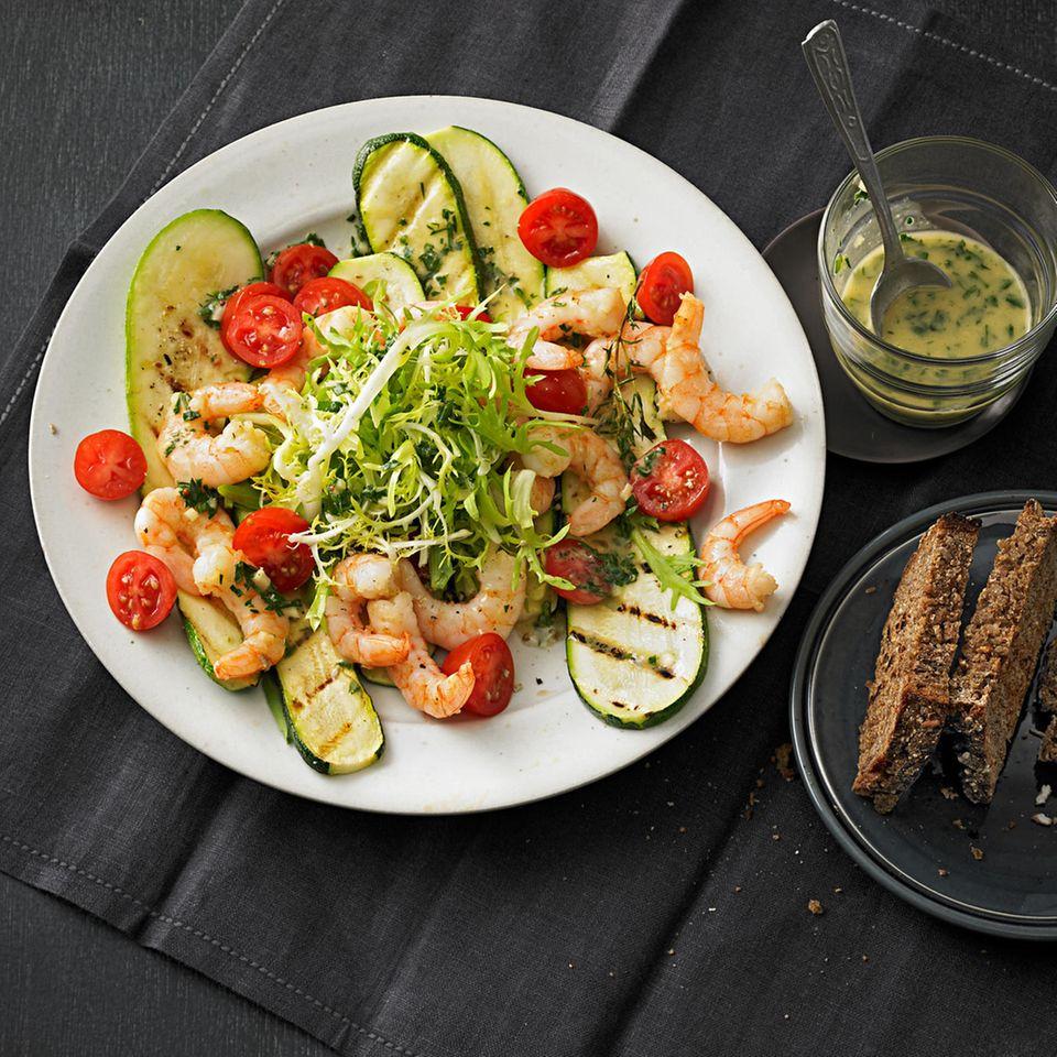 Garnelen mit gegrillten Zucchini