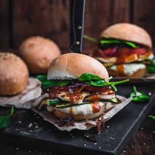 Mediterraner Halloumi-Burger