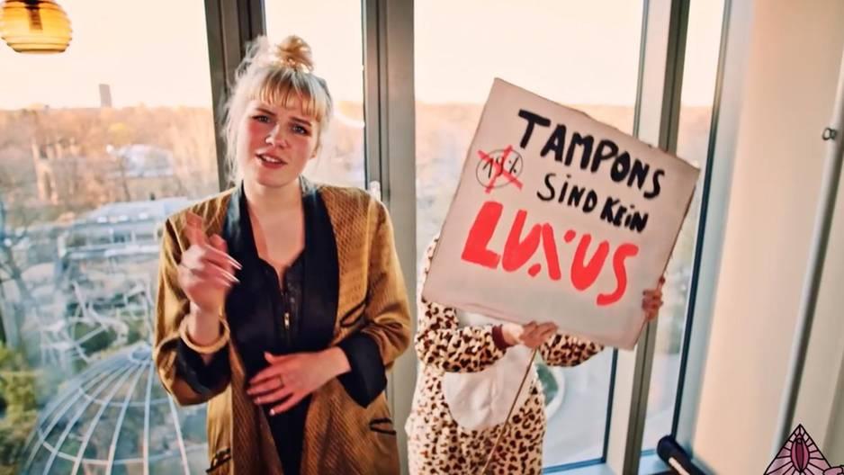#keinluxus: NEON und einhorn sammeln Unterschriften gegen die Luxussteuer auf Periodenprodukte