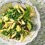 Gemüsenudeln mit Knoblauchsahne