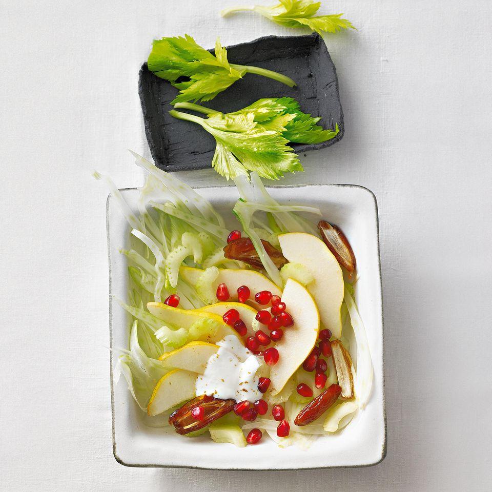 Fenchelsalat mit Birne und Datteln