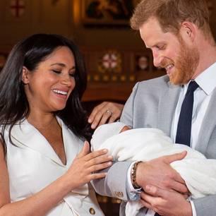 Meghan Markles und Prinz Harrys: Meghan und Harry halten Baby Sussex