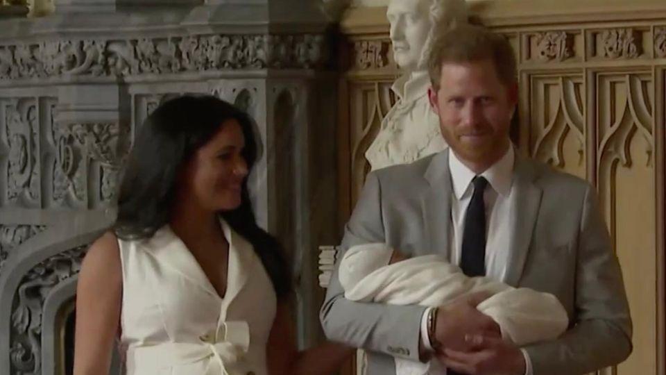 Prinz Harry: Das flüstert er Meghan zu