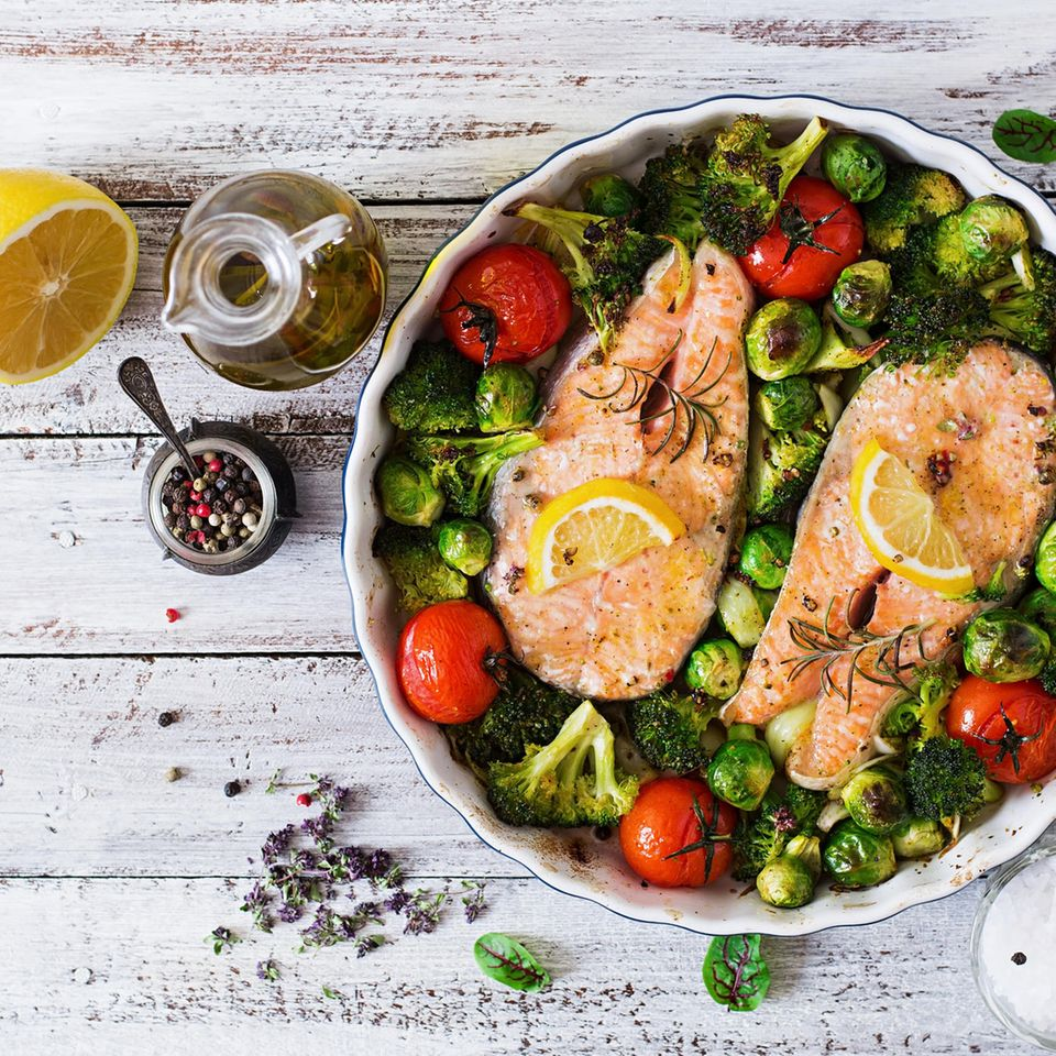 Omega-3 Lebensmittel: Brokolli-Lachs Auflauf