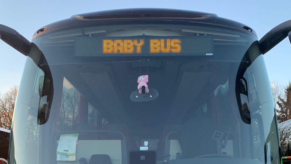 Eltern vergessen ihr neugeborenes Baby im Taxi