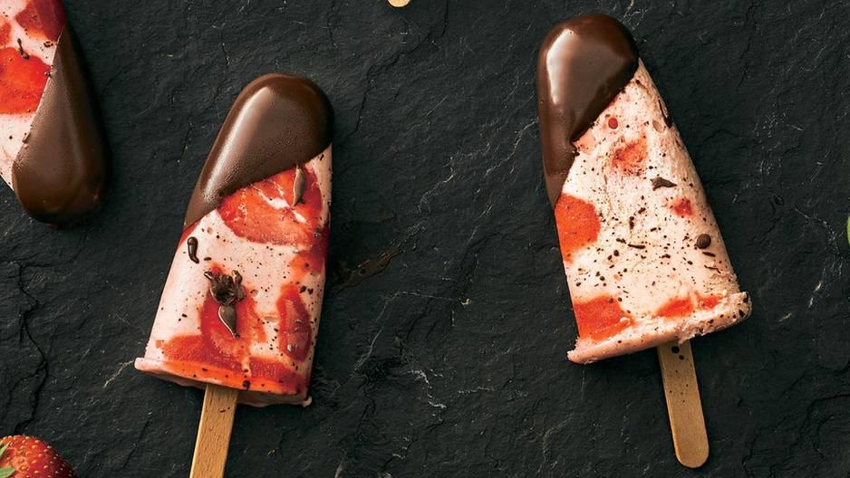 Stracciatella Erdbeer Eis Am Stiel Brigittede