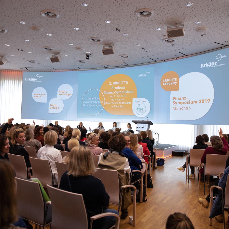 Finanz-Symposium: Podium und Publikum