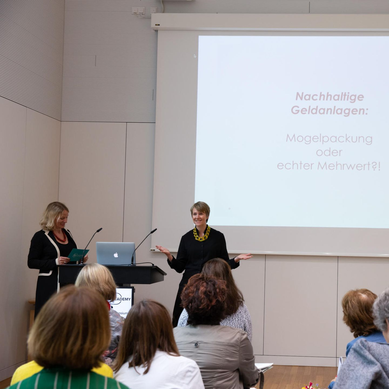 Finanz-Symposium: Jennifer Brockerhoff