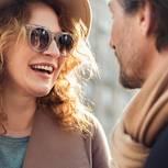 Unbewusste Lügen, die man dem Partner erzählt: Ein Pärchen unterhält sich