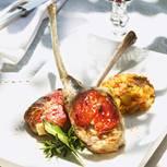 Lammkoteletts mit Ziegenkäse und getrockneten Tomaten