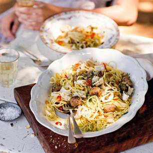 Rezepte aus der Toskana: Linguine mit Fenchel-Klößchen & Calamari