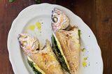 Gefüllter Fisch mit Tomaten-Bohnen-Salat