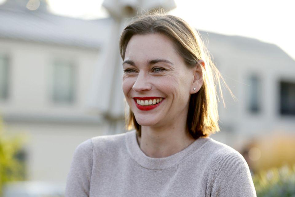 """Netflix enthüllt Cast der neuen Serie """"Zeit der Geheimnisse"""": Christiane Paul spielt eine Hauptrolle"""