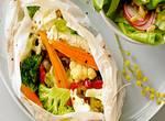 Gemüse-Feta-Päckchen mit Radieschensalat