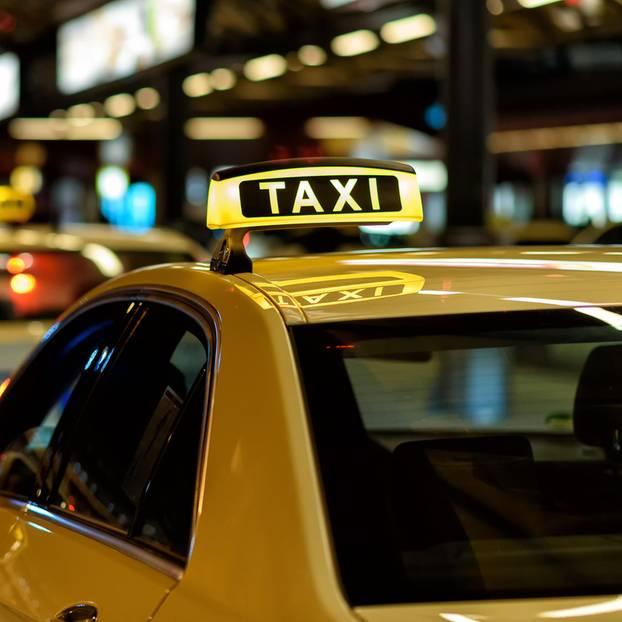Taxis in einer Reihe