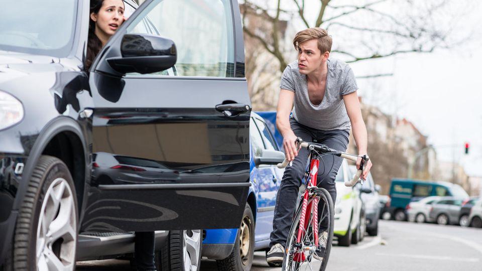 So rettet der holländische Griff im Straßenverkehr Leben