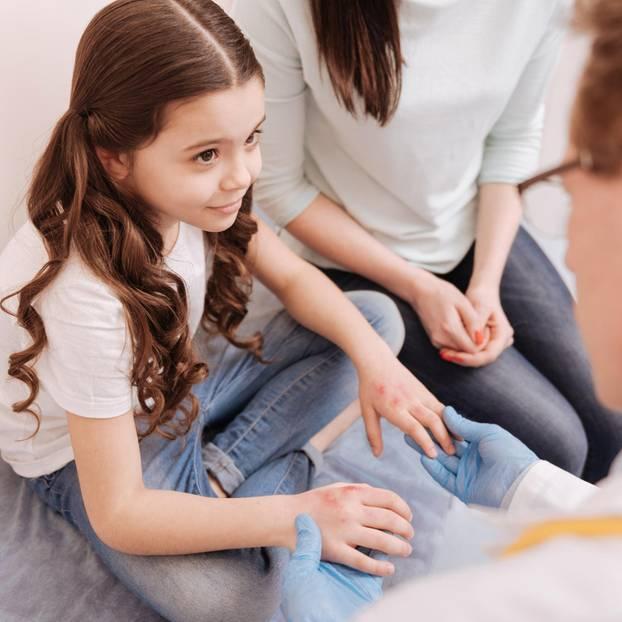 Allergiekranke Kinder: Kind beim Allergietest