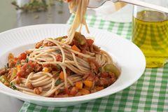 Spaghetti mit Soja-Bolognese