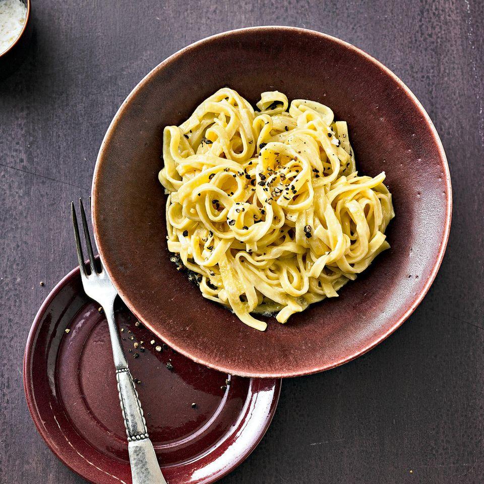 Italienische Nudelgerichte: Pasta Alfredo