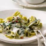 Grüne Bandnudeln mit Gorgonzola-Spinat-Soße
