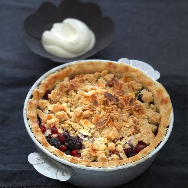 Apfel-Waldbeeren-Pie