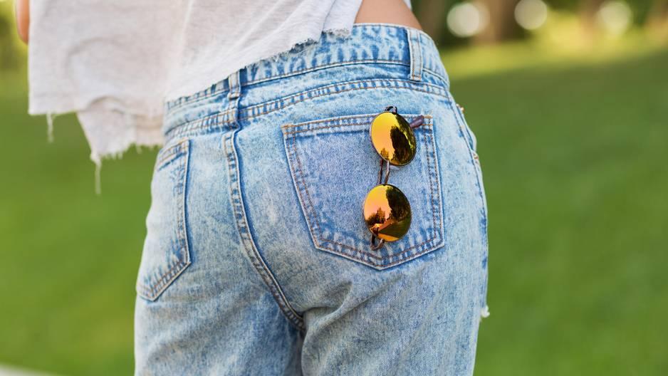 Abstehender Bund? SO sitzt die Hose auch hinten perfekt!