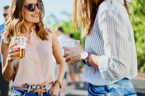 10 Smalltalk-Themen, die wirklich JEDES Eis brechen