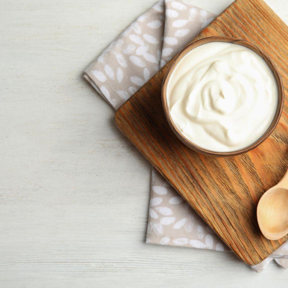 Naturjoghurt: Naturjoghurt in Schale