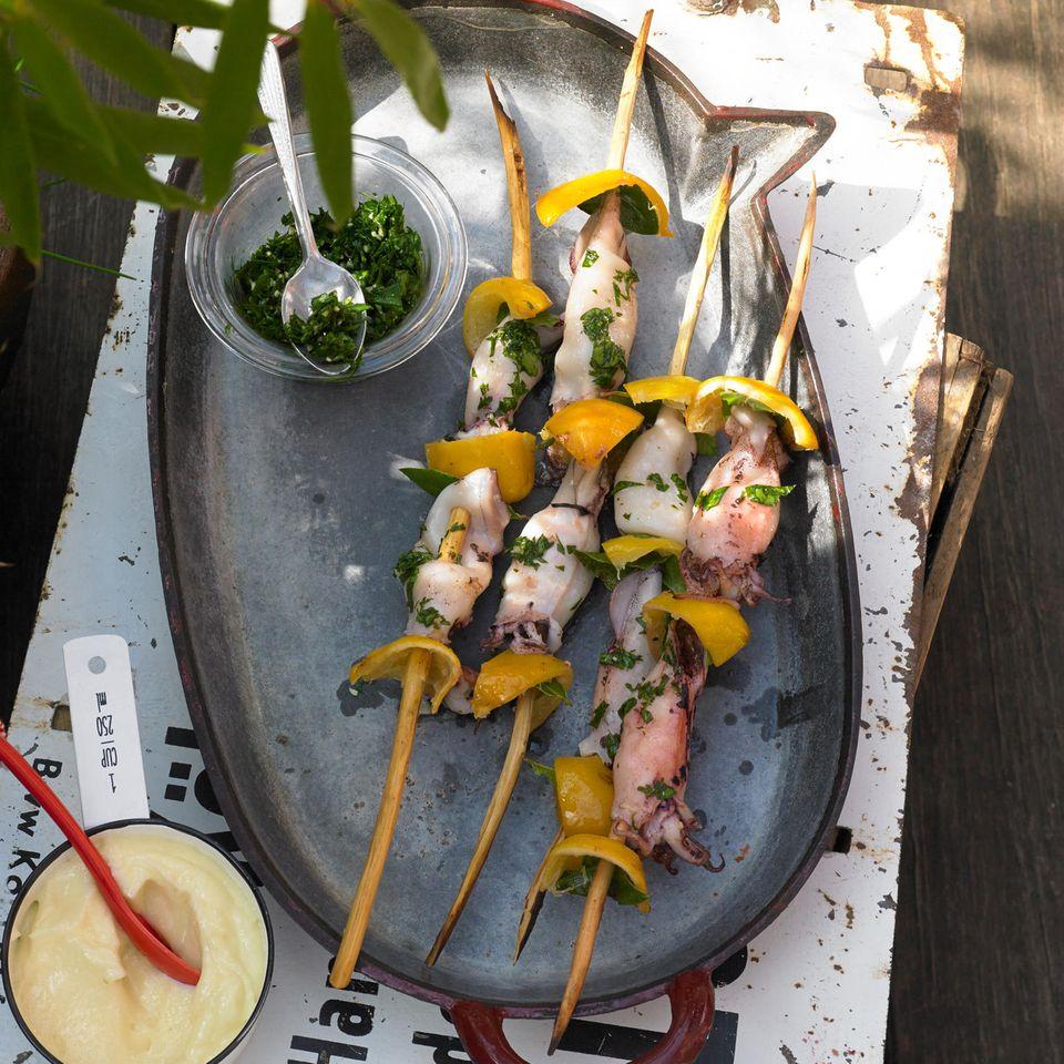Tintenfisch-Spieße