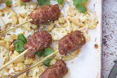 Lammhack-Spieße mit Currysoße