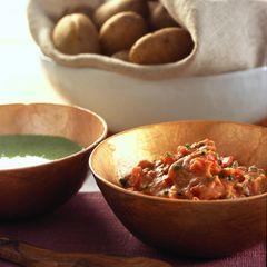 Kräuter-Pellkartoffeln mit zwei Dips