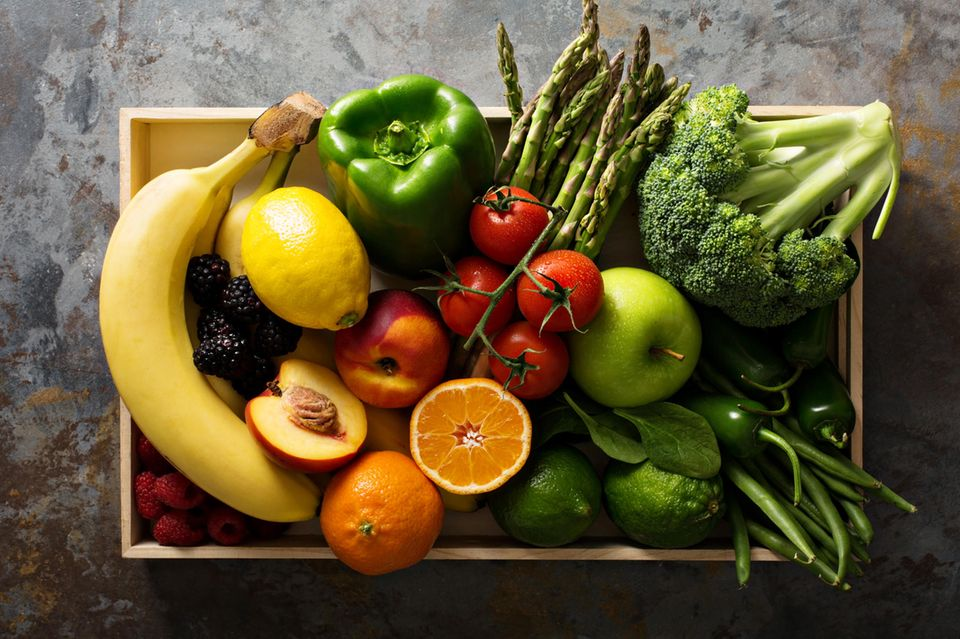 Unterschied von Obst und Gemüse: Obst und Gemüse im Korb