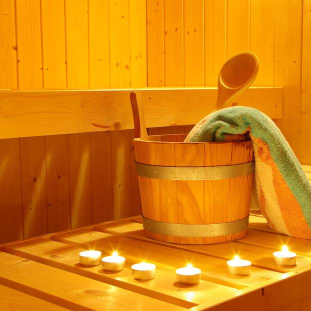 Sex in der Sauna: Teelichter in der Sauna