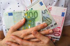 Was kostet Glück? Geldscheine