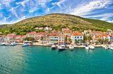 """10 """"Einmal-im-Leben-Trips"""", die du gemacht haben solltest: Panorama-Blick auf die Küste Kroatiens"""