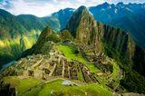 """10 """"Einmal-im-Leben-Trips"""", die du gemacht haben solltest: Ruinenstadt Machu Picchu in Peru von oben"""