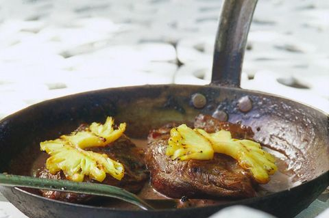 Medaillons mit gegrillter Ananas