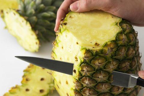 Ananas schneiden: So geht's