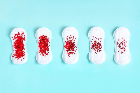 Starke Regelblutung: Binden mit verschieden starker Blutung