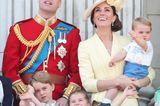 Trooping the Colour: Prinz William, Kate und die Kinder Louis, Charlotte und George auf dem Balkon
