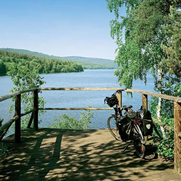Radeln im Böhmerwald: Lipno-Stausee