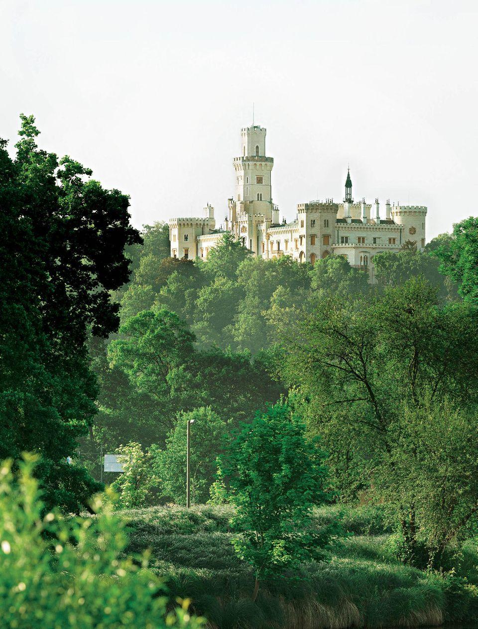 Radeln im Böhmerwald: Schloss Hluboka
