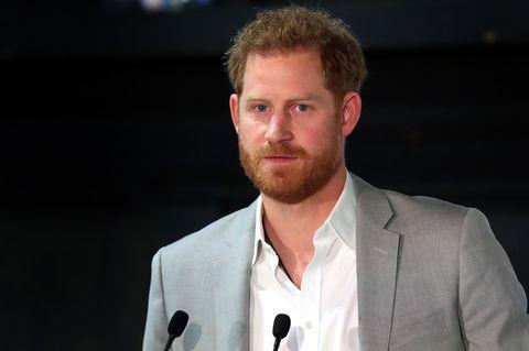 Prinz Harry hält eine Rede