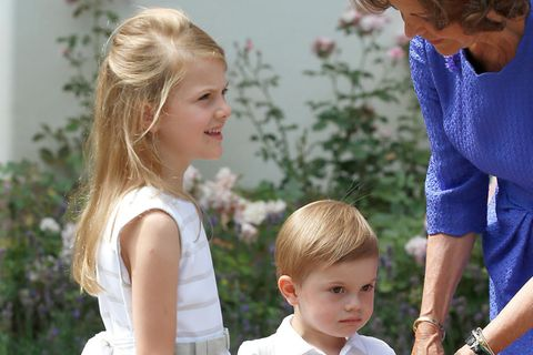 Estelle und Oscar von Schweden mit Königin Sylvia