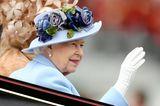 Royal Ascot 2019: Queen Elisabeth II winkt