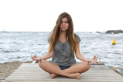 Rage Yoga: Mit Wut und Bier auf die Matte!