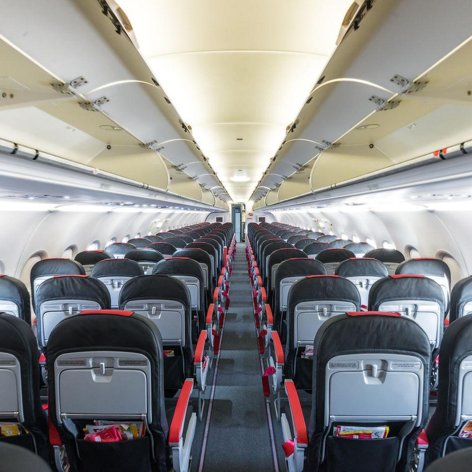 Innenraum eines leeren Flugzeugs