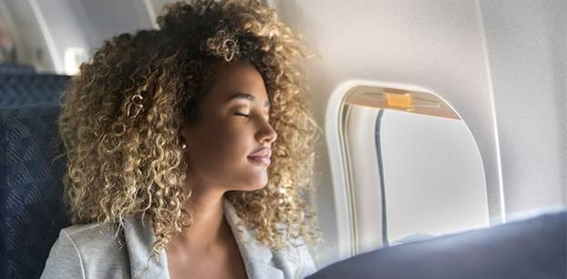 Risiko: Was schiefgehen kann, wenn man im Flugzeug schläft!