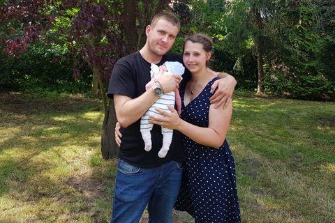 Vater als Hebamme: Baby Ella Marlen kam im Auto zur Welt - Ann-Christin Niemann und Christian Janssen