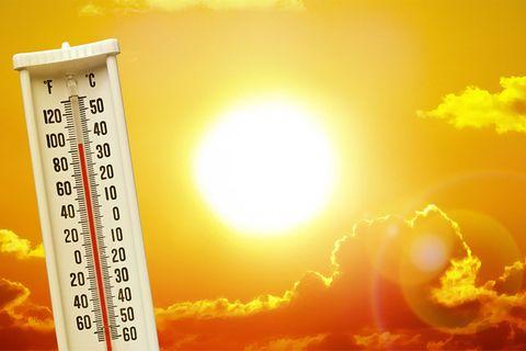Sommer: So helft ihr einer Person mit Hitzschlag